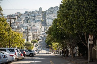 Views of one of the downhill of Lombardt Street in San Francisco, California, USA