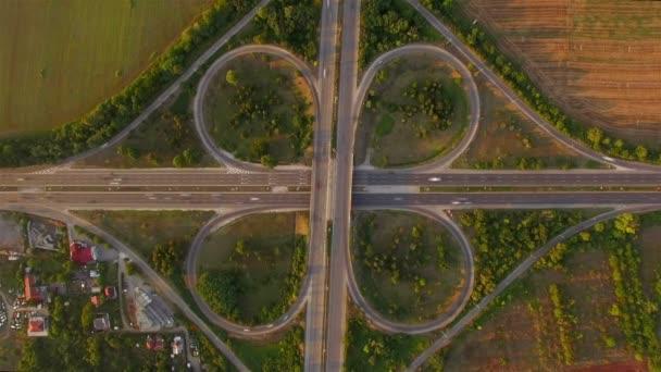 Mimoúrovňová křižovatka provoz se stupněm
