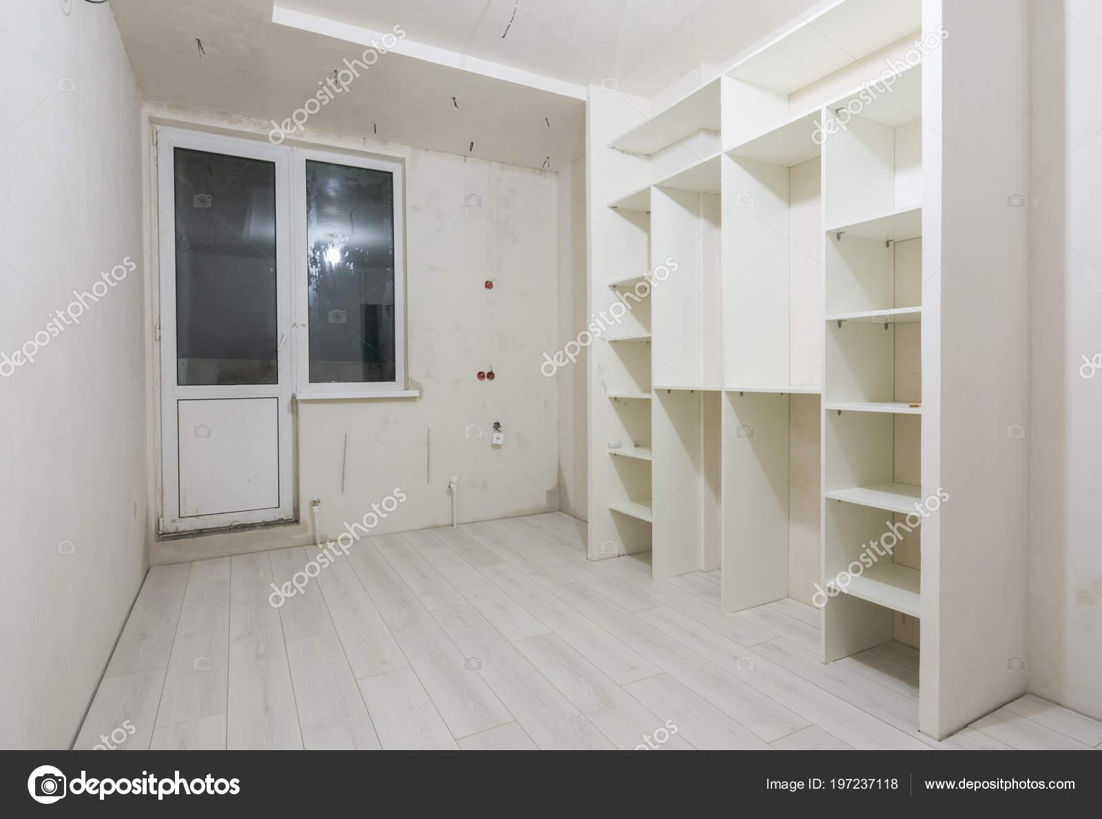 Wohnzimmer Von Neubauten Einbauschrank Und Auf Die Dielen Laminat