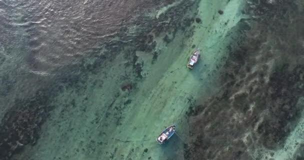A légi felvétel a elemzéséhez a halászhajók a part