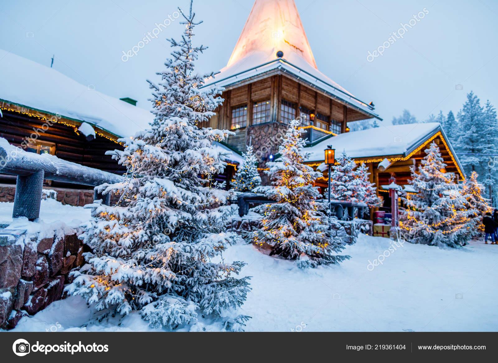 Villaggio Di Babbo Natale In Lapponia.Villaggio Babbo Natale Lapponia Finlandia Foto Editoriale