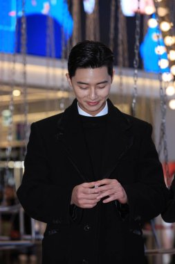 South Korean actor Park Seo-joon attends an autograph session in Taipei, Taiwan, 8 December 2018.