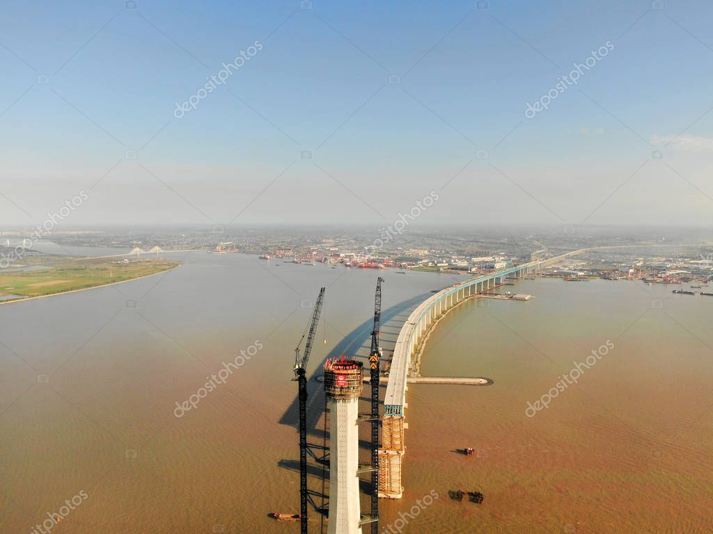 Aerial view of the construction site of the No.28 main pier of the world's longest cable-stayed bridge, the Hutong (Shanghai-Nantong) Yangtze River Bridge, on the Yangtze River in Nantong city, east China's Jiangsu province, 28 September 2018.