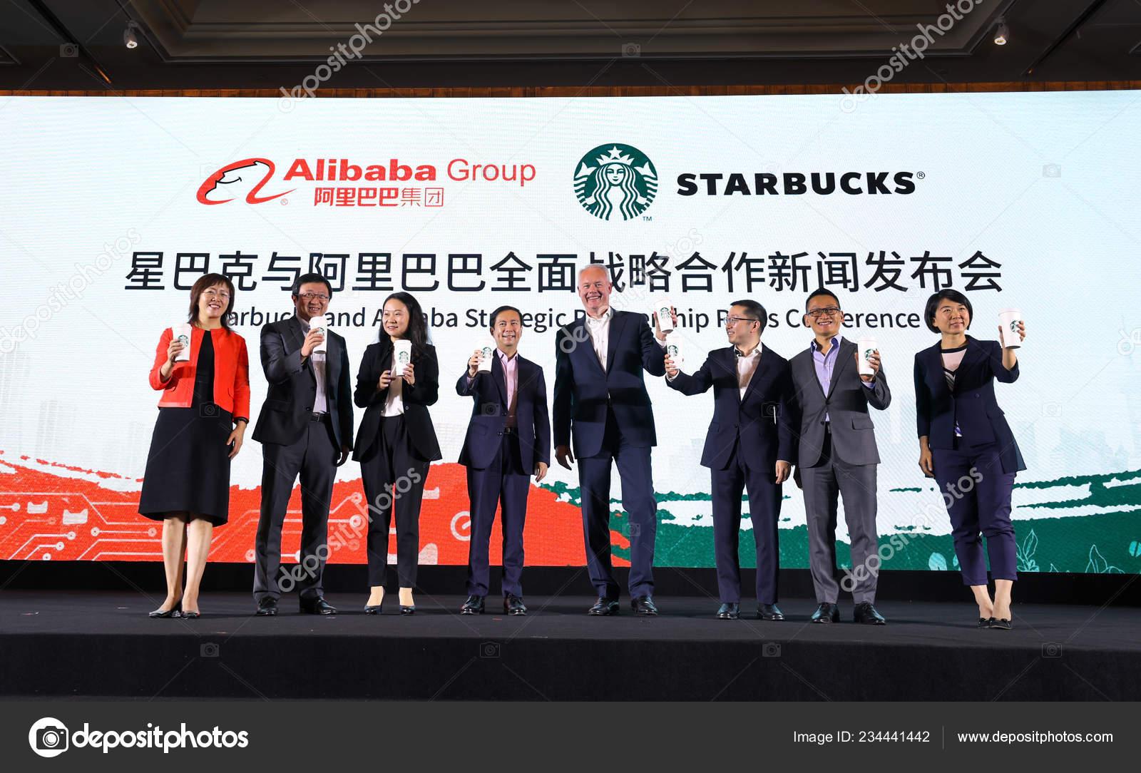 Daniel Zhang Yong Cuarto Izquierda Director General Alibaba Group ...