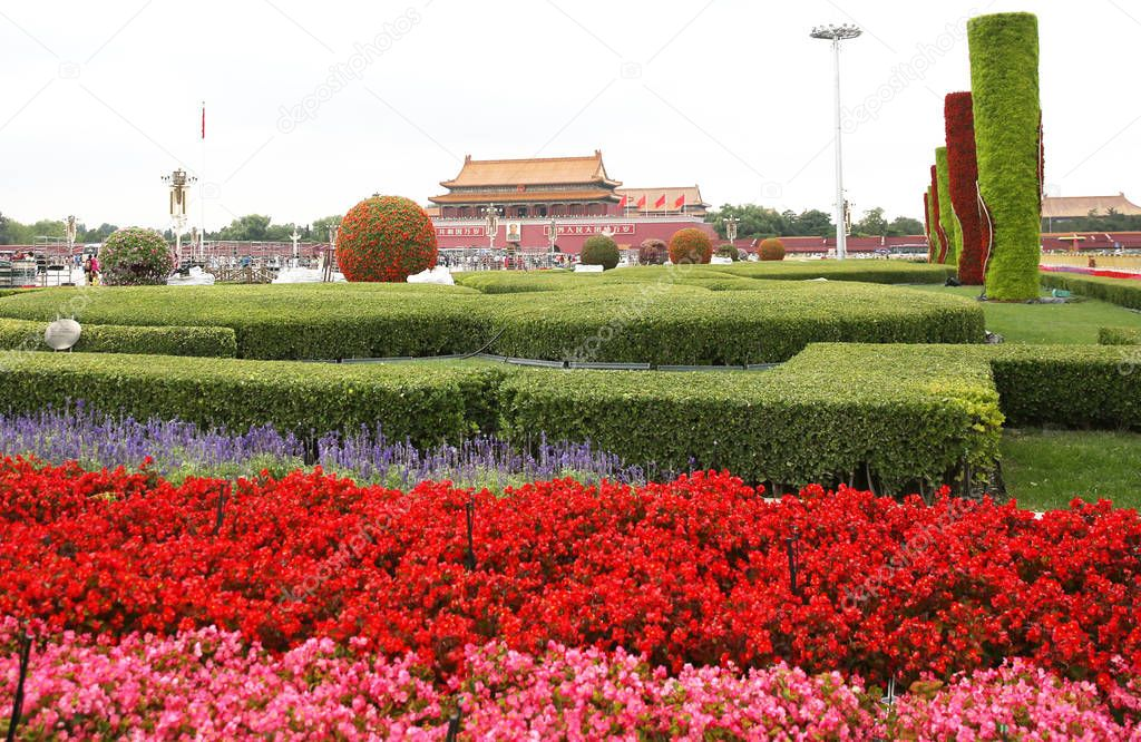 A giant flower terrace is being built on Tian'anmen Square to celebrate the upcoming National Day in Beijing, China, 18 September 2016