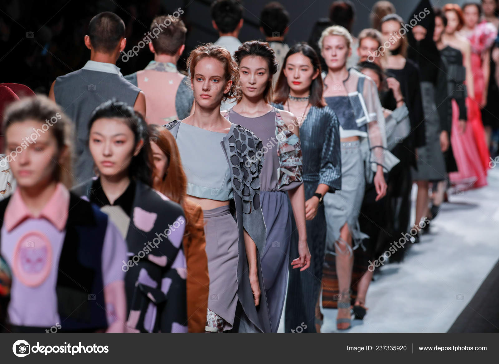 Models Display New Creations Fashion Show Raffles Design Institute Shanghai Stock Editorial Photo C Chinaimages 237335920