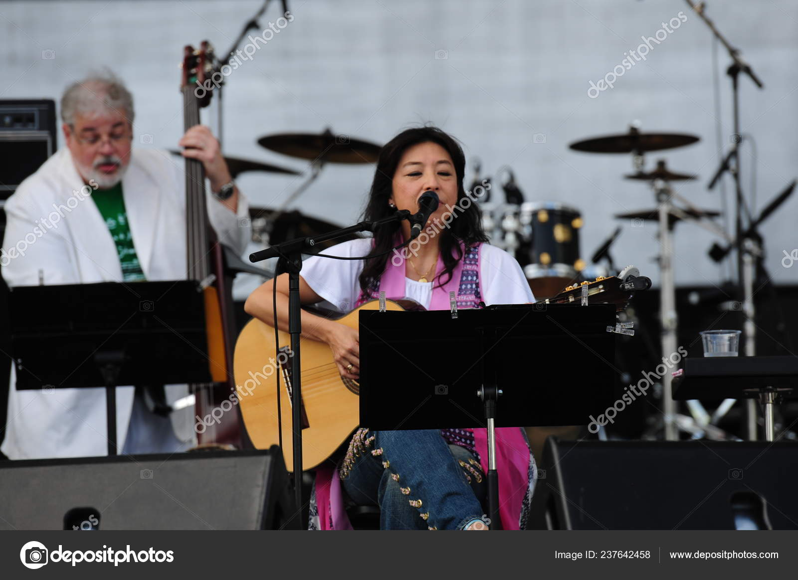 Japanese Brazilian Bossa Nova Singer Lisa Ono Right Performs
