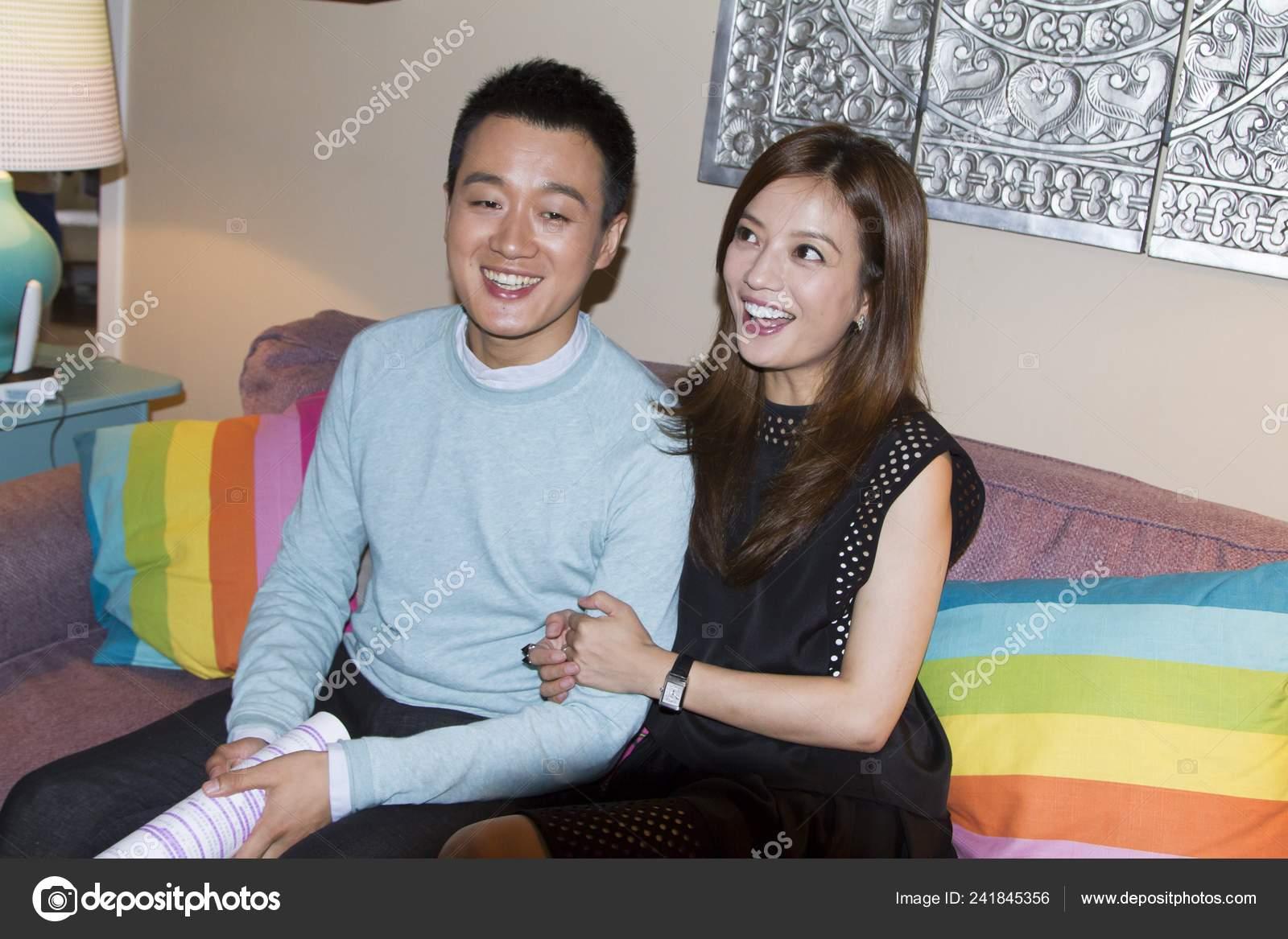 Chinese Actress Zhao Wei Right Actor Tong Dawei Pose Set