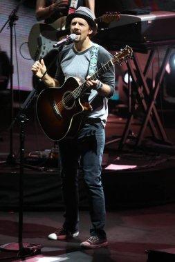 American singer-songwriter Jason Mraz performs during his concert in Taipei, Taiwan, 29 November 2014.