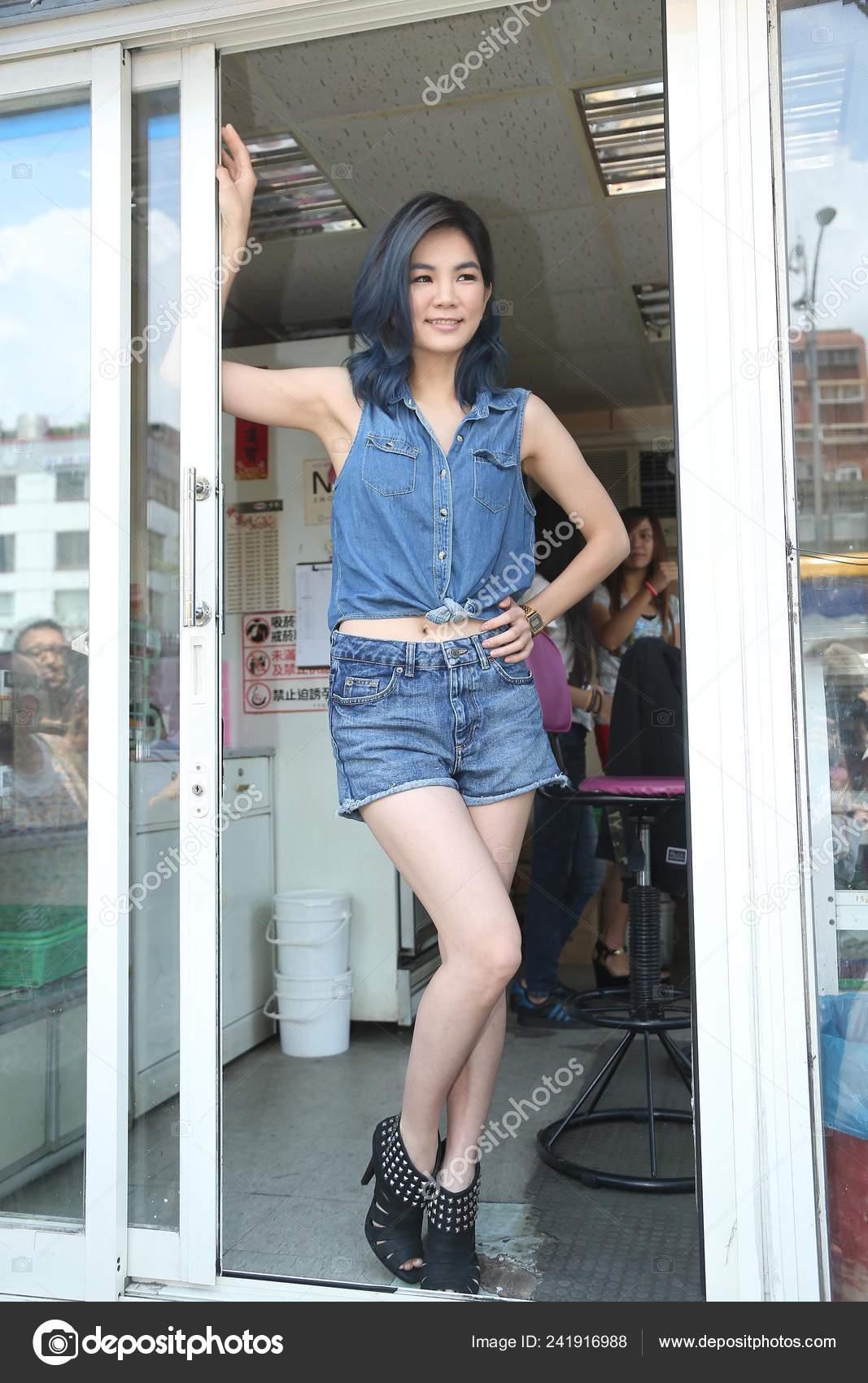 Ella Chen Taiwanese Girl Group Poses Areca Nut Stall She