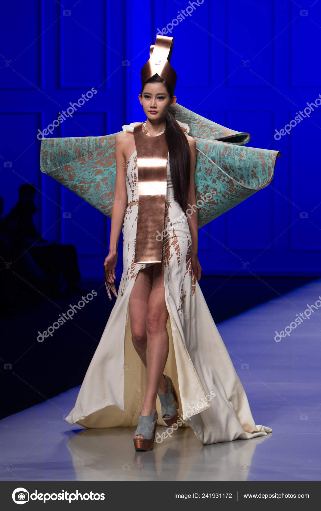 Model Displays New Creation 22nd Hanbo Cup International Young Fashion Stock Editorial Photo C Chinaimages 241931172