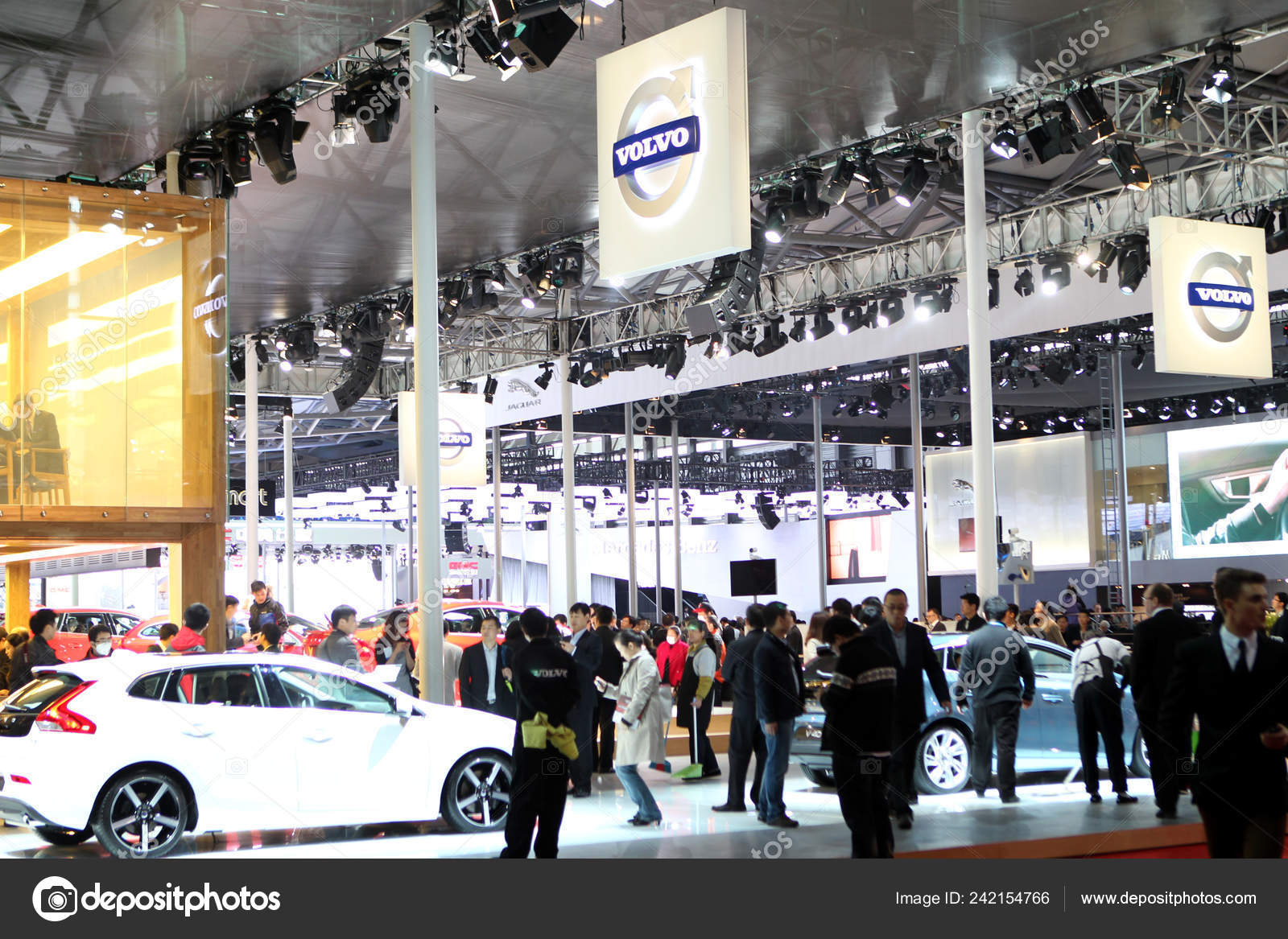Volvo Exhibition Stand : People visit stand volvo th shanghai international automobile