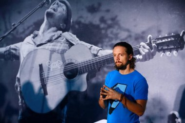 American singer Jason Mraz attends the press conference for his concert, Jason Mraz Live in Beijing, in Beijing, China, 12 June 2012.