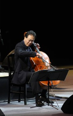 Renowned cellist Yo-Yo Ma performs during his concert in Taichung, Taiwan, April 24, 2010.