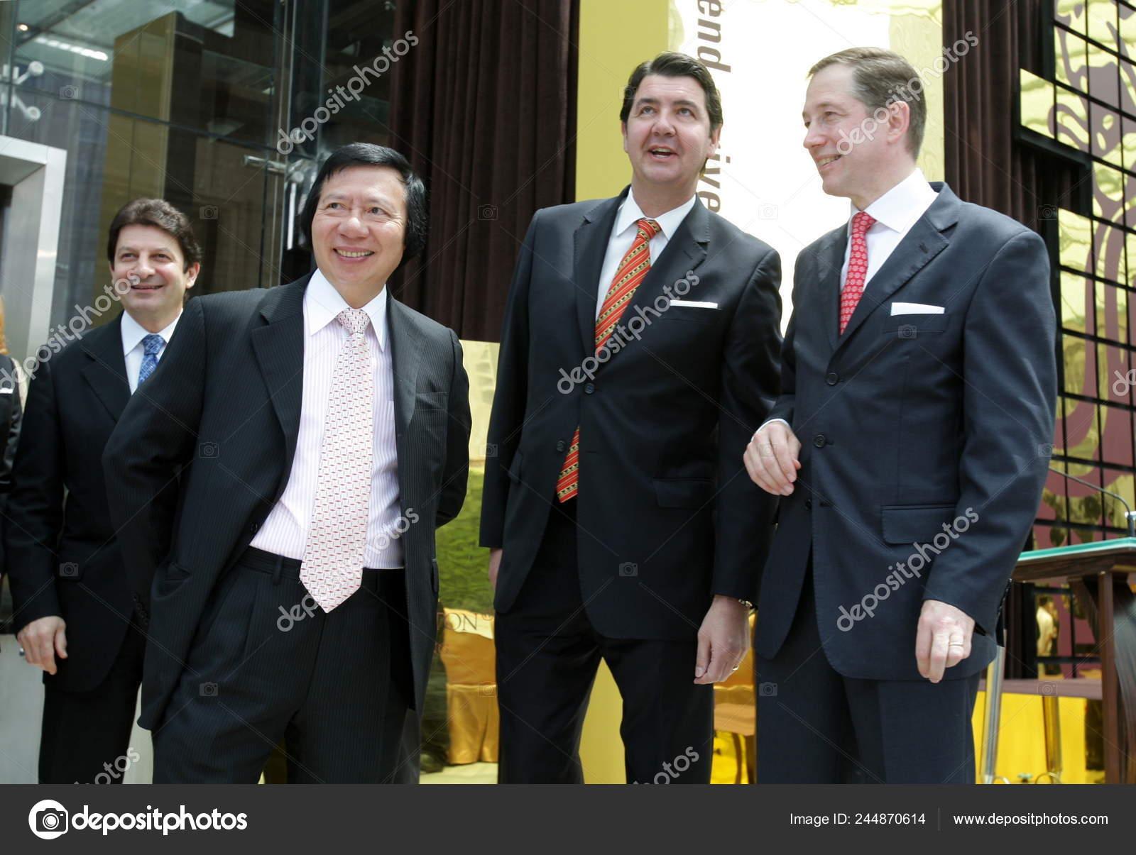 Left Mark Decocinis Regional Vice President Asian Pacific