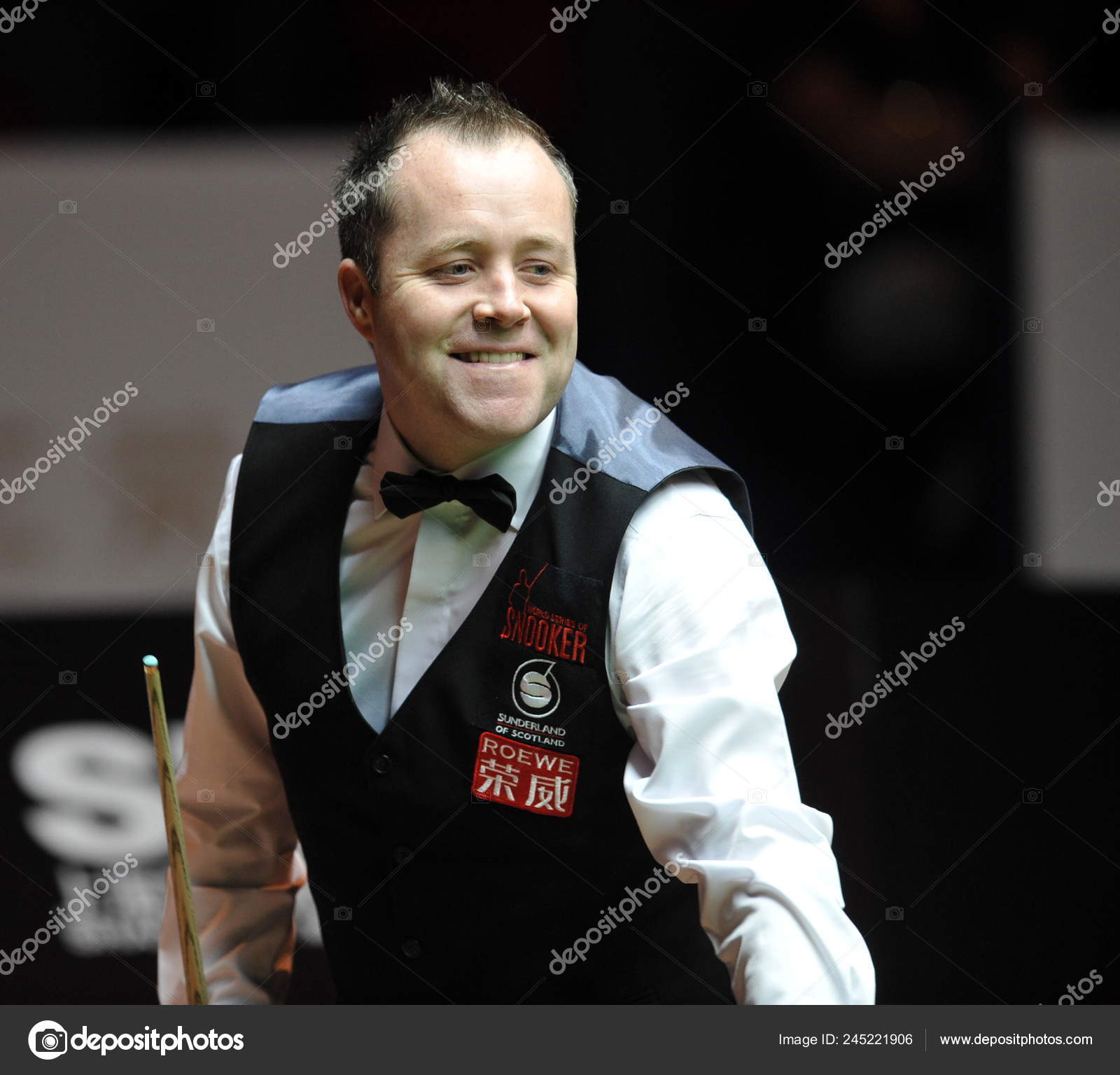 John Higgins Scotland Looks Balls While Competing Matthew Selt England Stock Editorial Photo C Chinaimages 245221906