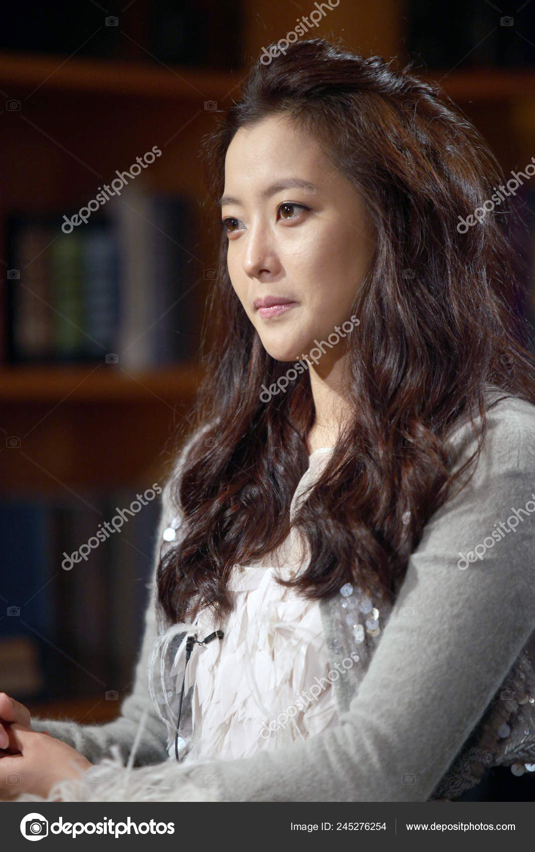 South Korean Actress Kim Hee Sun Seen Kevin Hours Talk Stock Editorial Photo C Chinaimages 245276254