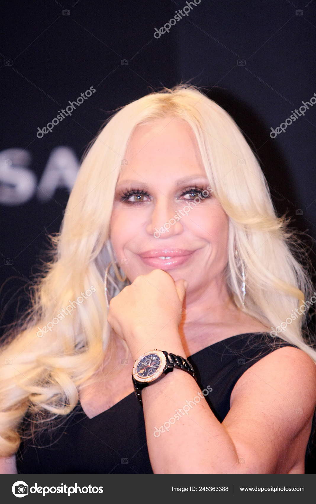 Italian Fashion Designer Versace Creative Director Donatella Versace Poses Press Stock Editorial Photo C Chinaimages 245363388