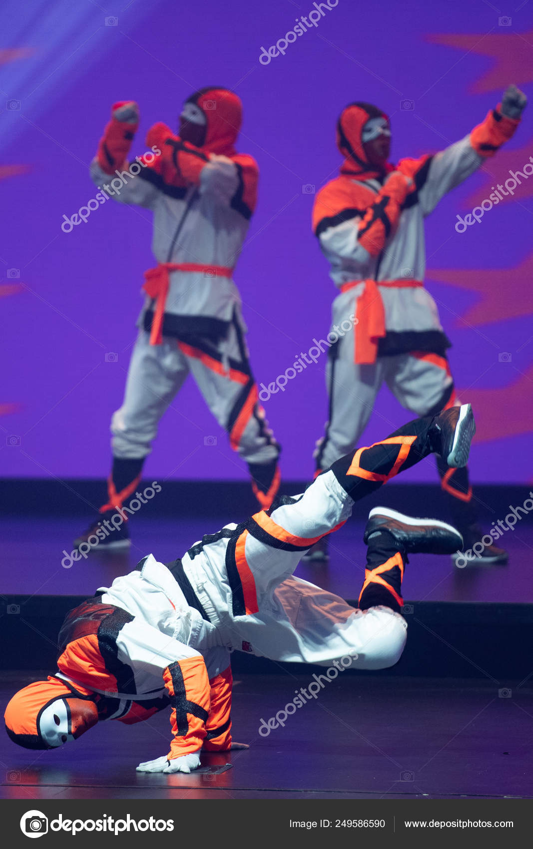 Members American Hip Hop Dance Crew Jabbawockeez Perform First Ever