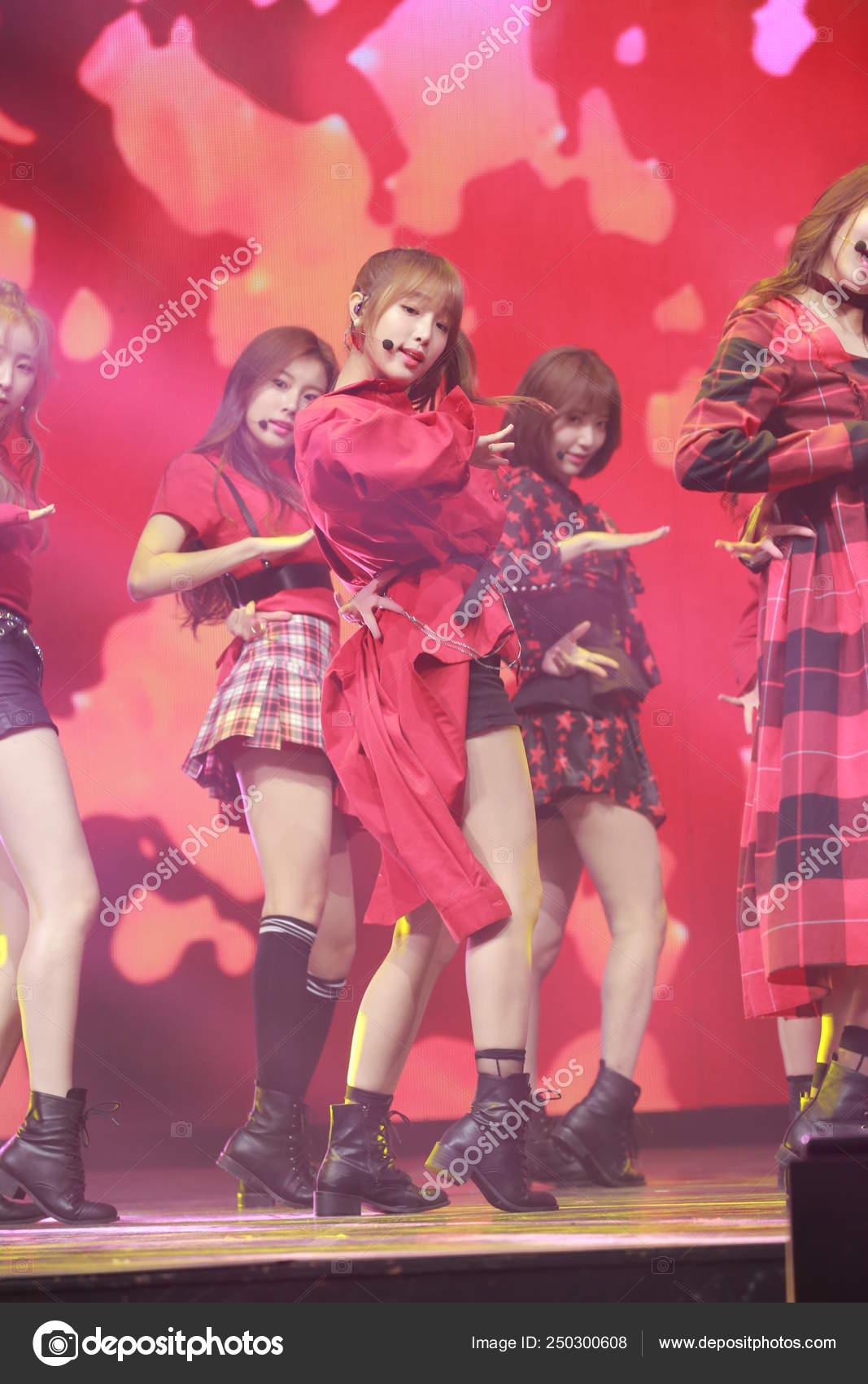 SOUTH KOREA SEOUL ALBUM COLOR*IZ GIRL IZONE – Stock Editorial Photo