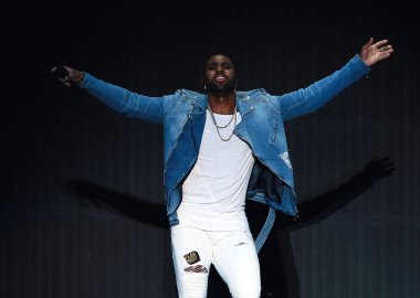 American singer-songwriter Jason Derulo performs during the draw ceremony for the 2019 FIBA Basketball World Cup in Shenzhen city, south China's Guangdong province, 16 March 2019.