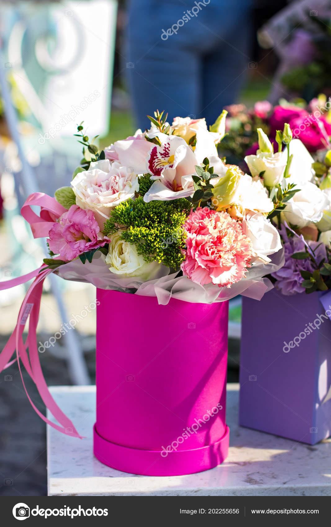 Beautiful bouquets flowers market showcase flowers sale flowers beautiful bouquets of flowers on the market showcase with flowers sale of flowers flower shop a bouquet of roses peonies beautiful flowers izmirmasajfo