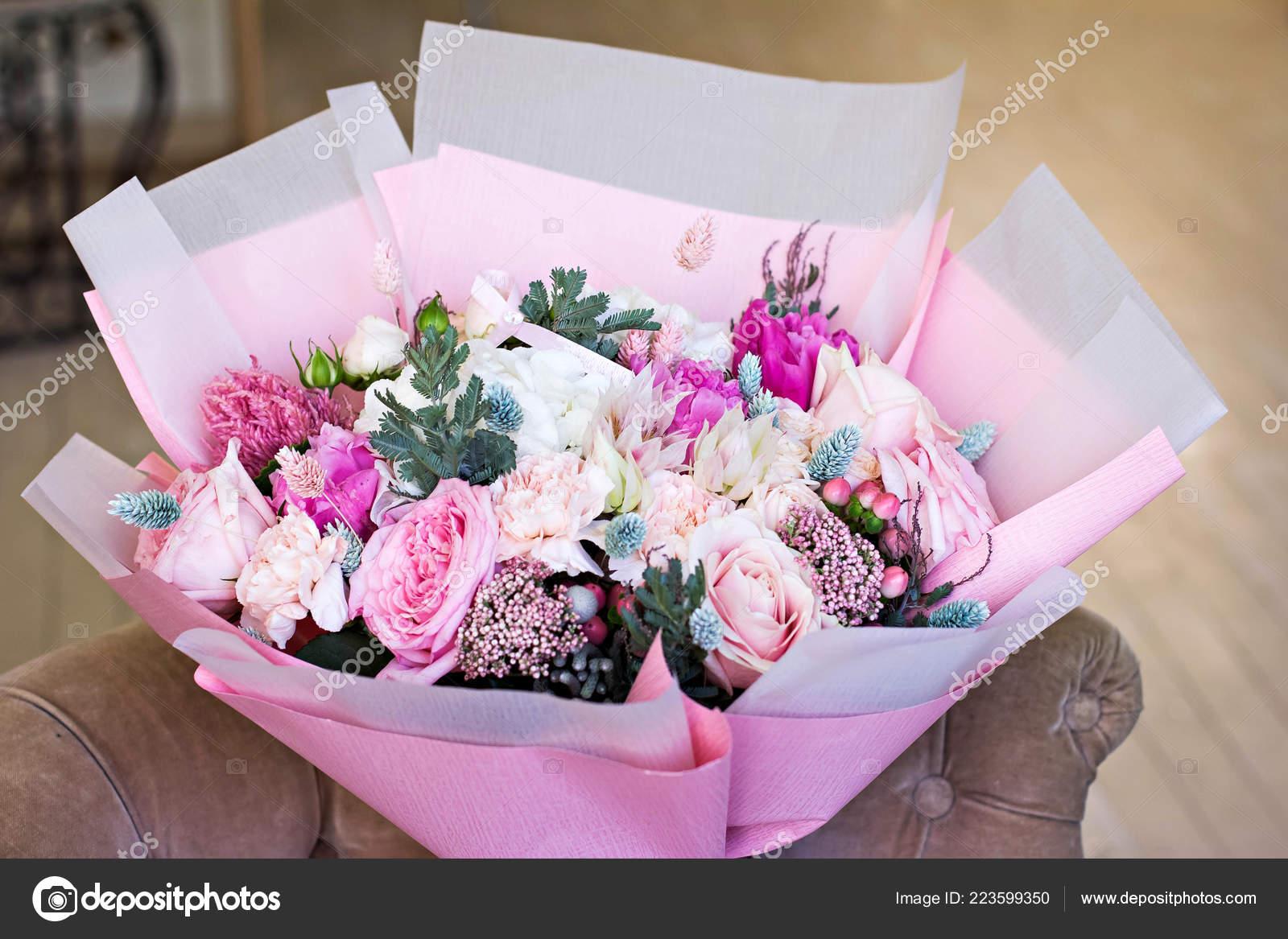 Beautiful Bouquet Wiht Rose Ranunculus Flower Pink Wrapping Paper Roses Stock Photo C Julialototskaya 223599350