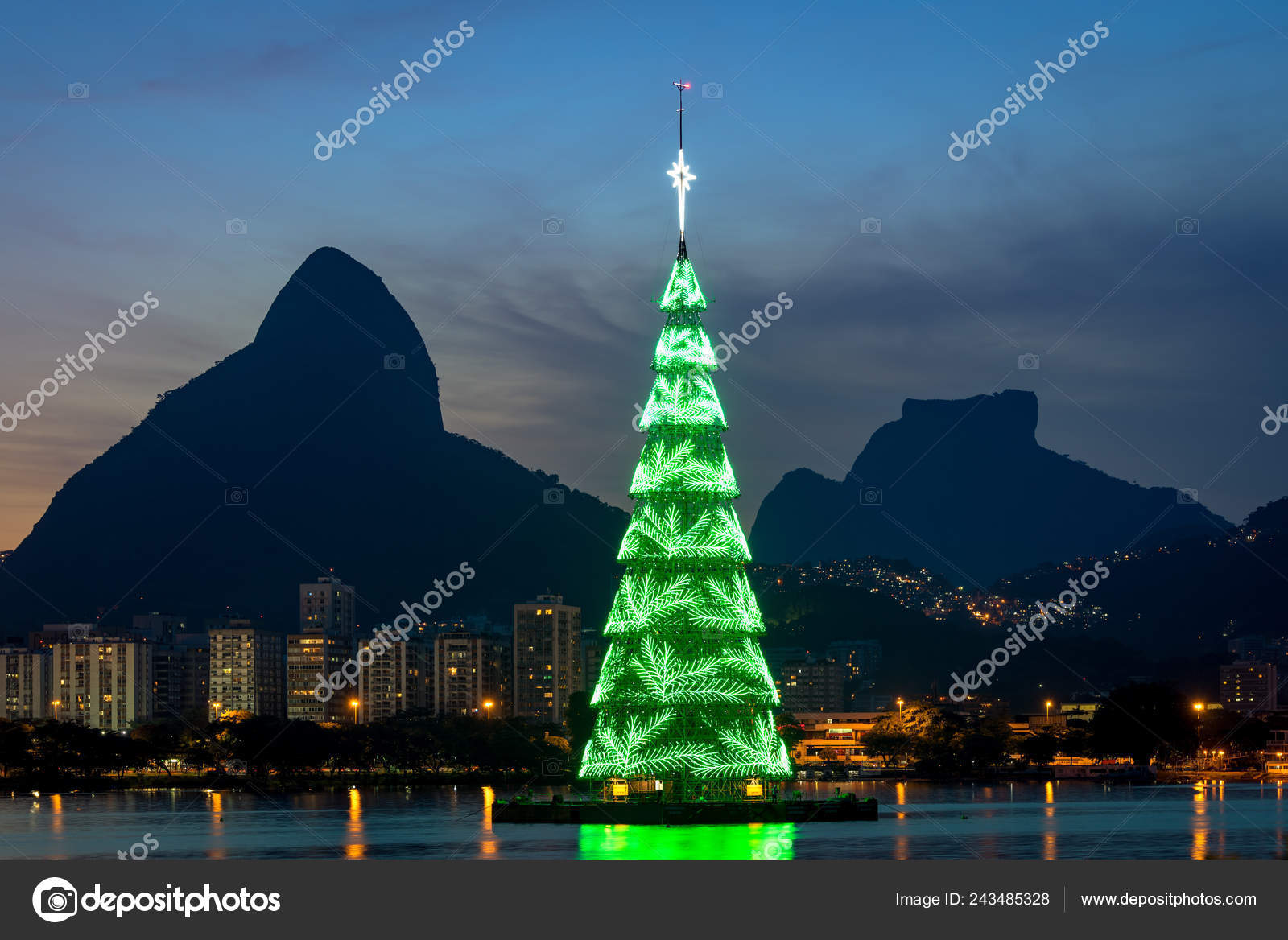 Christmas In Brazil.Rio Janeiro Brazil December 2018 Christmas Tree Middle
