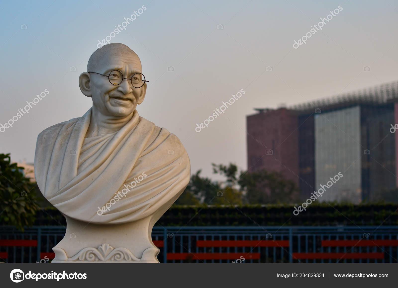 Busto Estátua Gandhi Com Lic Edifício Segundo Plano Museu
