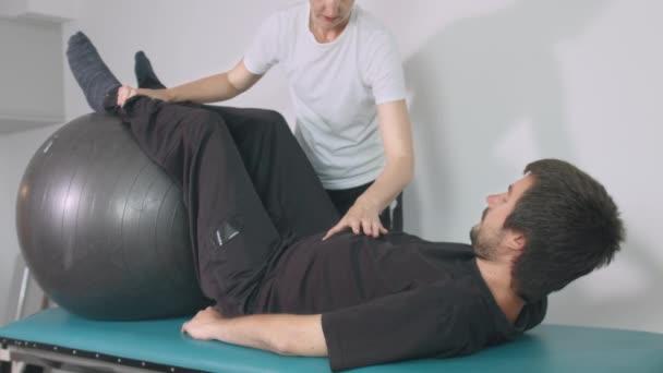 Fyzioterapeut se zdravotním postižením