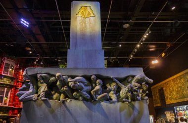 Wonderful tour in the Warner studios in London where you can visit and know the different corners of the original sets, objects or the secrets of your favorite Harry Potter characters.