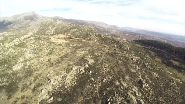 360 fok légi kilátás az északi felföldek Madrid, ahol láthatjuk a várost és a Navacerrada gát