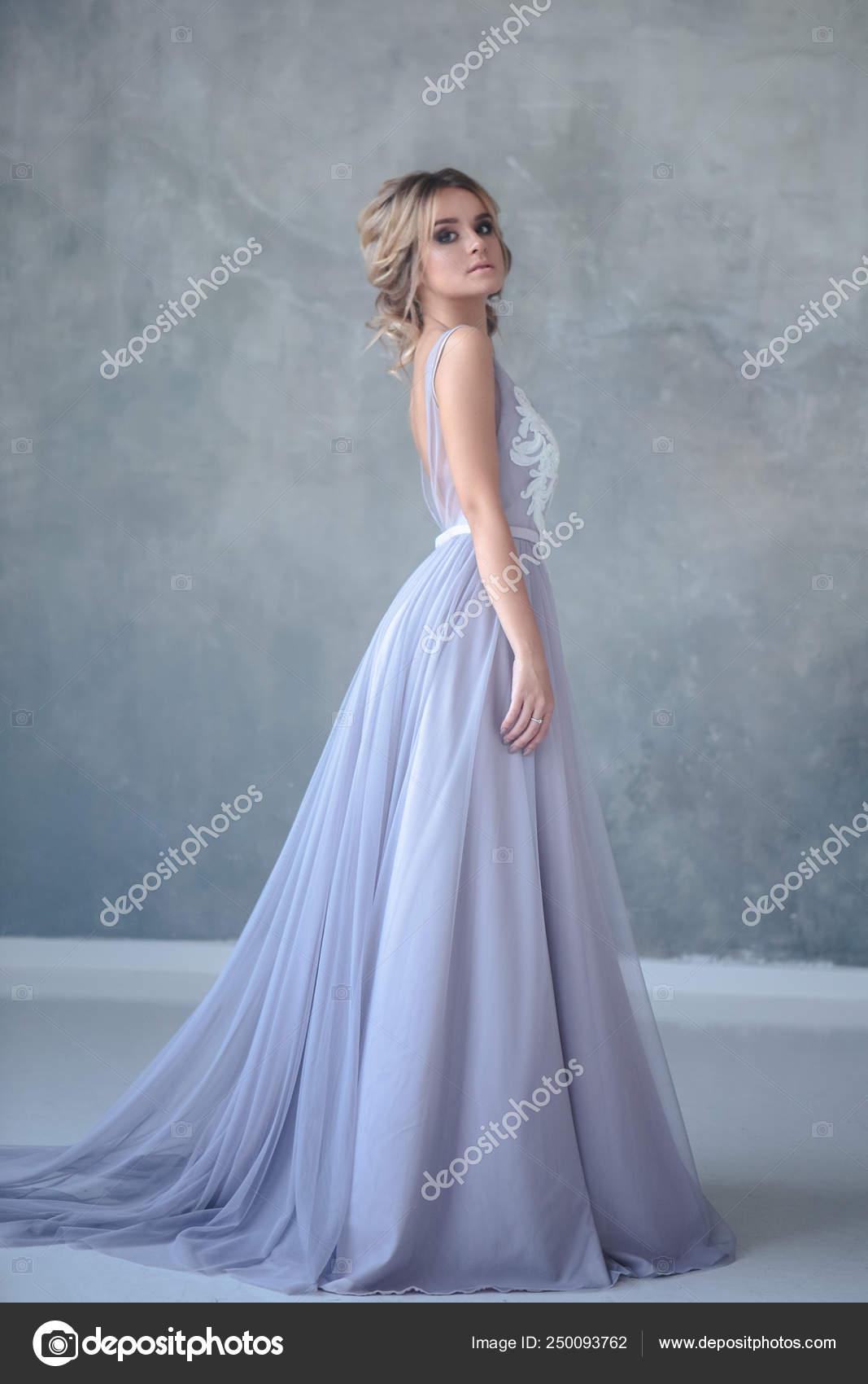 Mulher Loura Noiva Vestido Casamento Moderno Cor Com Estilo