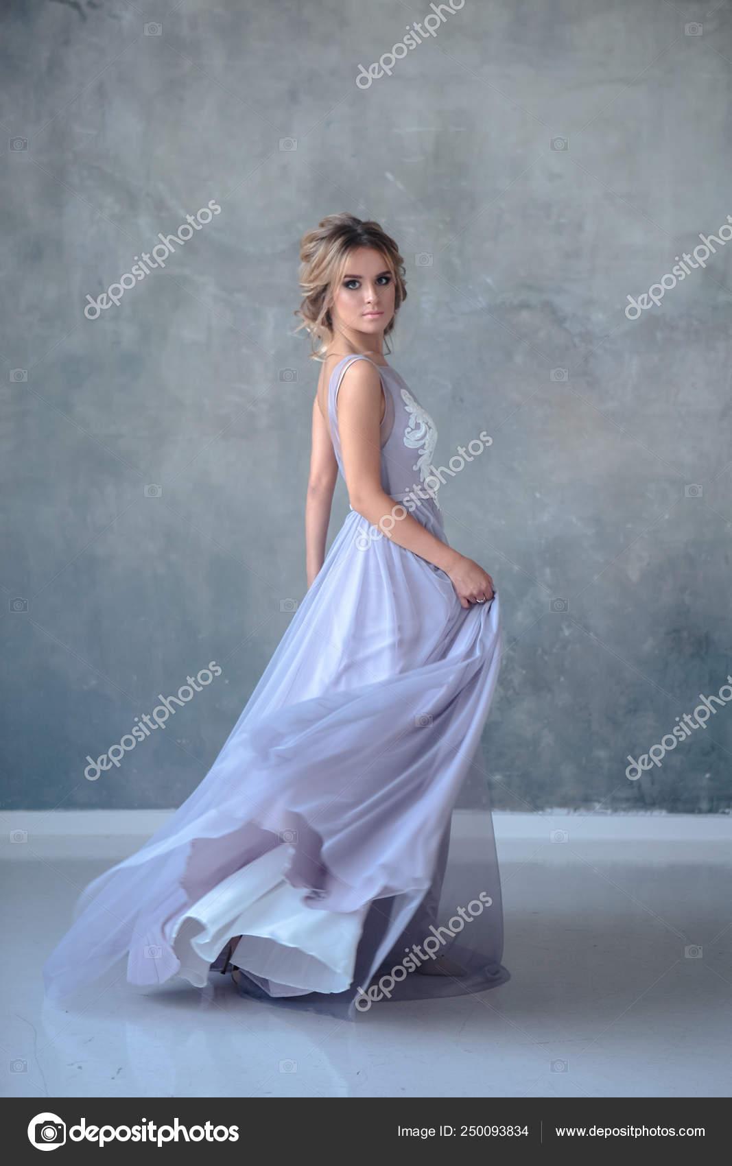 Mujer Rubia Novia Vestido Novia Color Moderno Con Estilo