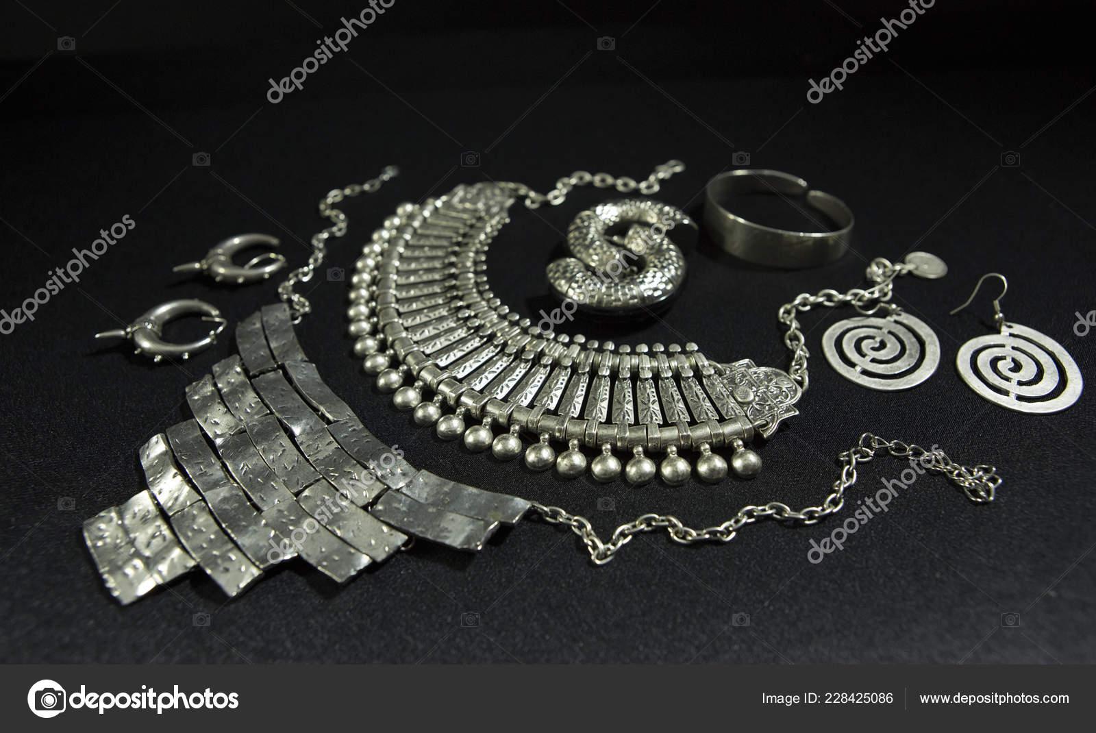 collier argent oriental