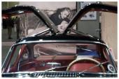 Torinó, Piedmont, Olaszország-7/02/2014-Automotoretro az éves időszakos vásár rajongók és a gyűjtők veterán autók és motorkerékpárok és a retro mechanika