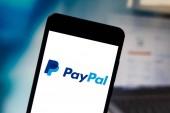 25. dubna 2019, Brazílie. Logo služby PayPal v mobilním zařízení. PayPal je online platební společnost. Působí po celém světě