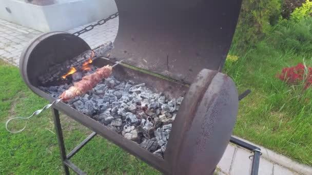 Šašlik na venkovní grilování gril grilování