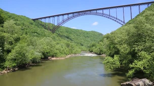 Most a pták-most nové říční rokle-Západní Virginie