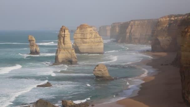 Východ slunce s dvanácti apoštoly - Victoria, Austrálie