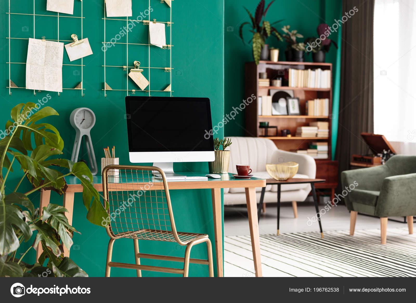 Chaise comptoir bois avec ordinateur bureau intérieur bureau
