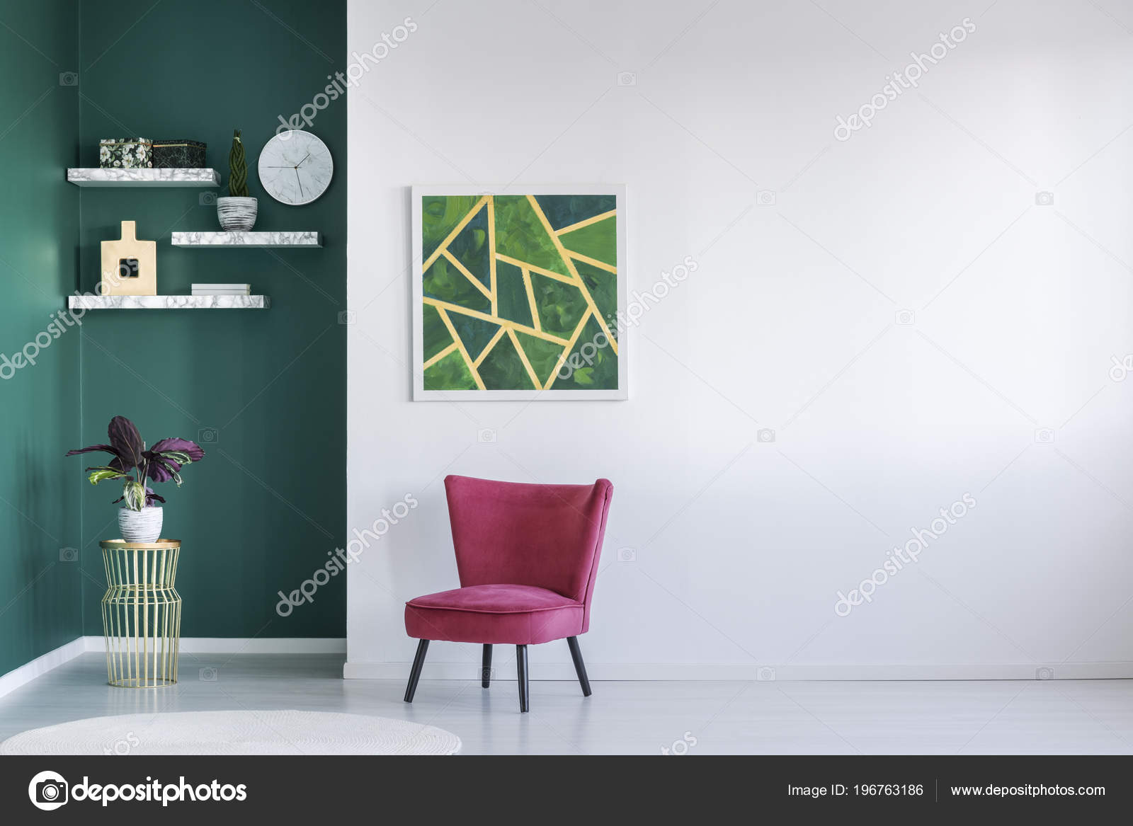 Muur Plank Voor Schilderijen.Moderne Wit Groen Interieur Met Rode Fauteuil Planken Plant
