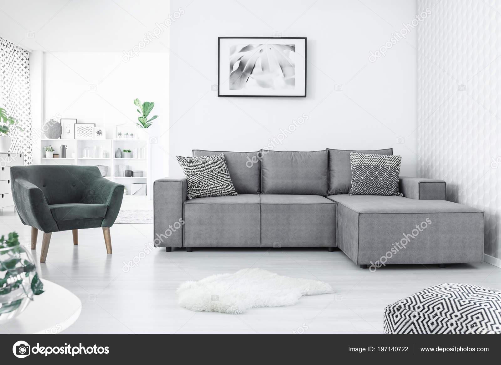 Sessel Und Ecke Sofa Malerei Auf Die Weisse Wand Und Stockfoto