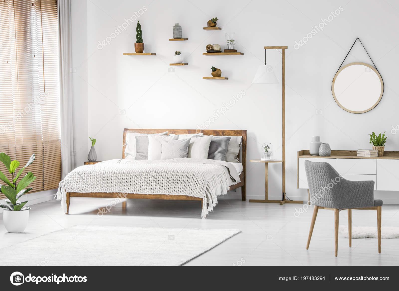 Camera Da Letto Legno Naturale : Vista frontale interno luminoso naturale camera letto con letto