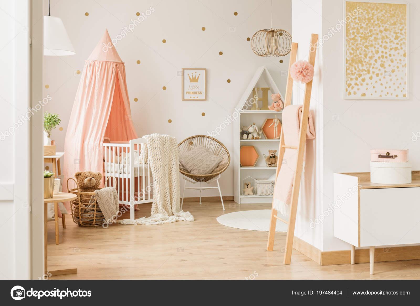 Holzleiter deko schlafzimmer schlafzimmer ideen m bel tapeten vlies baby ab wann kopfkissen - Weihnachtlich dekorieren ab wann ...