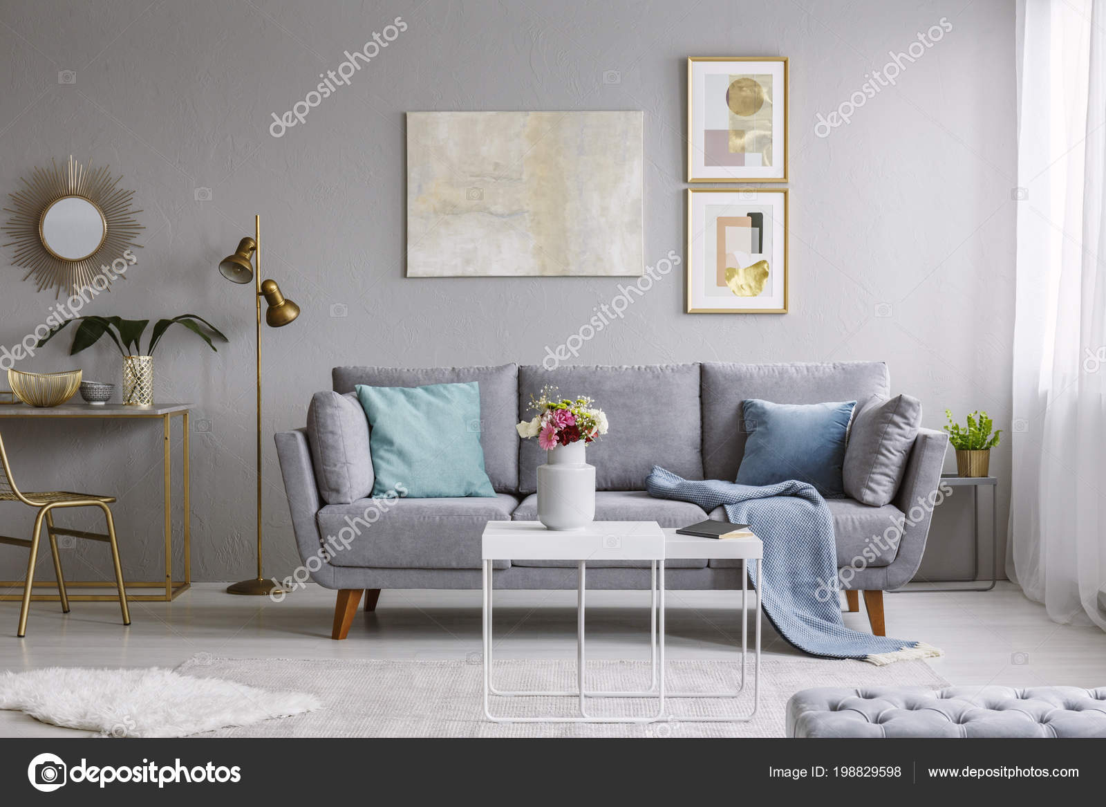 https://st4.depositphotos.com/2249091/19882/i/1600/depositphotos_198829598-stockafbeelding-bloemen-tafel-grijs-plat-interieur.jpg