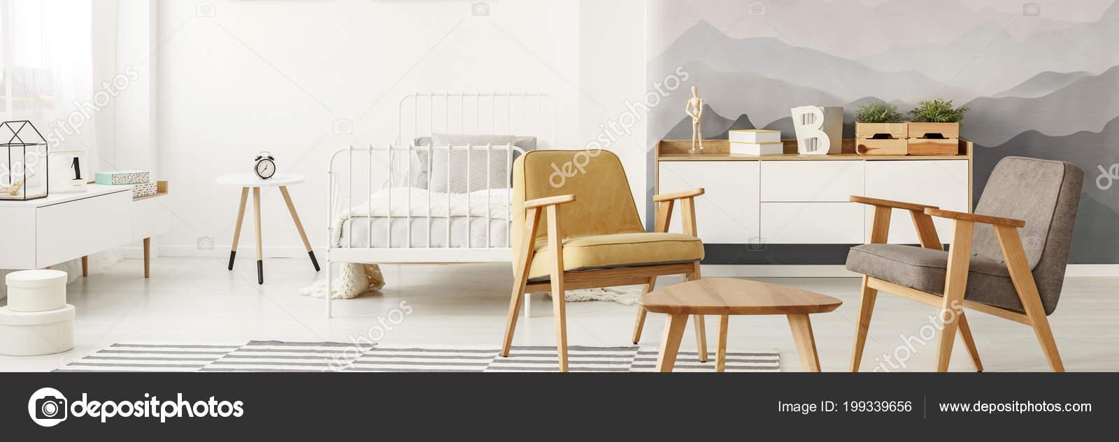 Grau Und Gelb Aus Holz Sessel Hellen Offenen Raum Innen