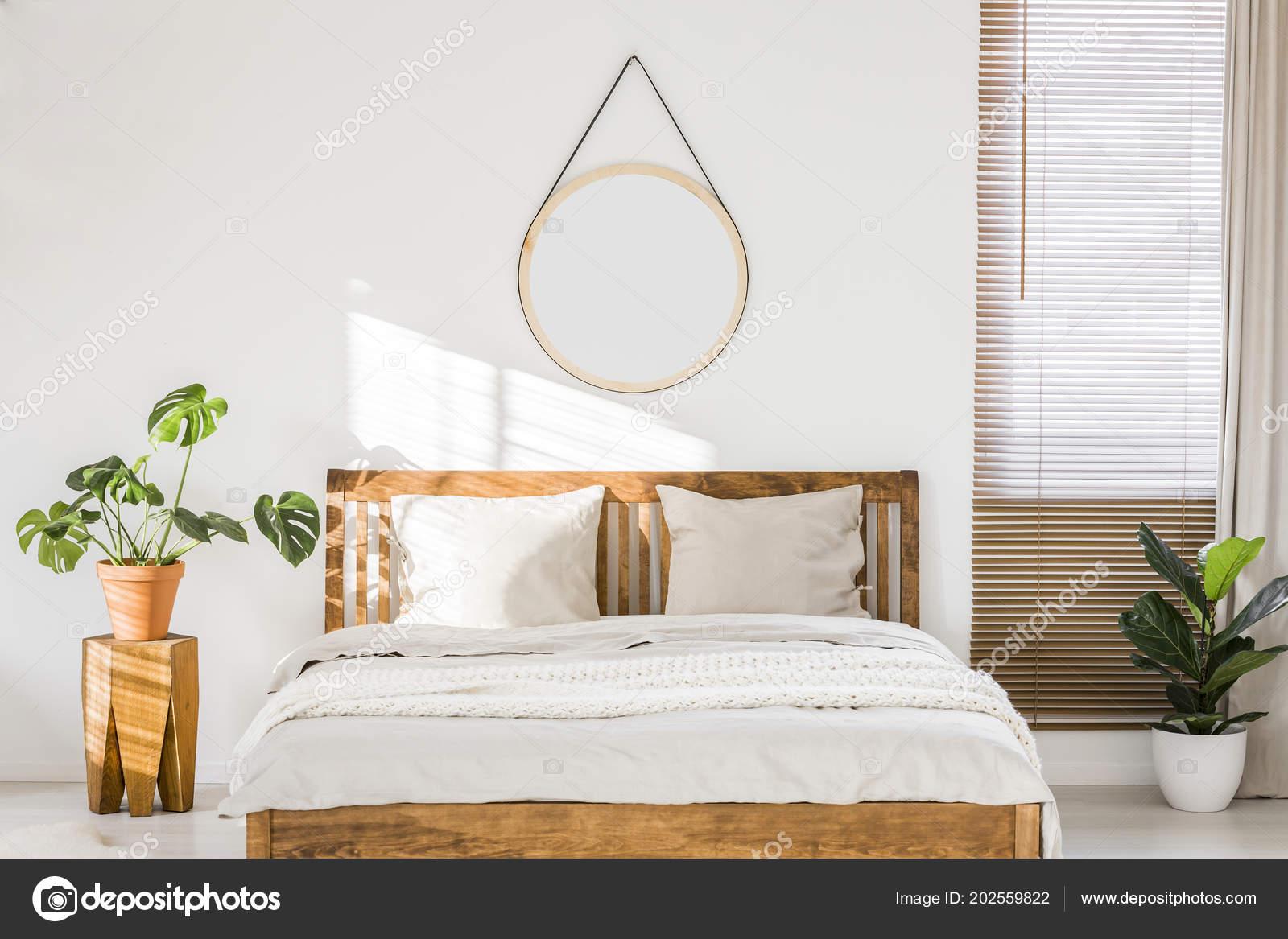 Ronde Houten Spiegel : Witte ronde spiegel met een doorsnede van ca cm spiegels