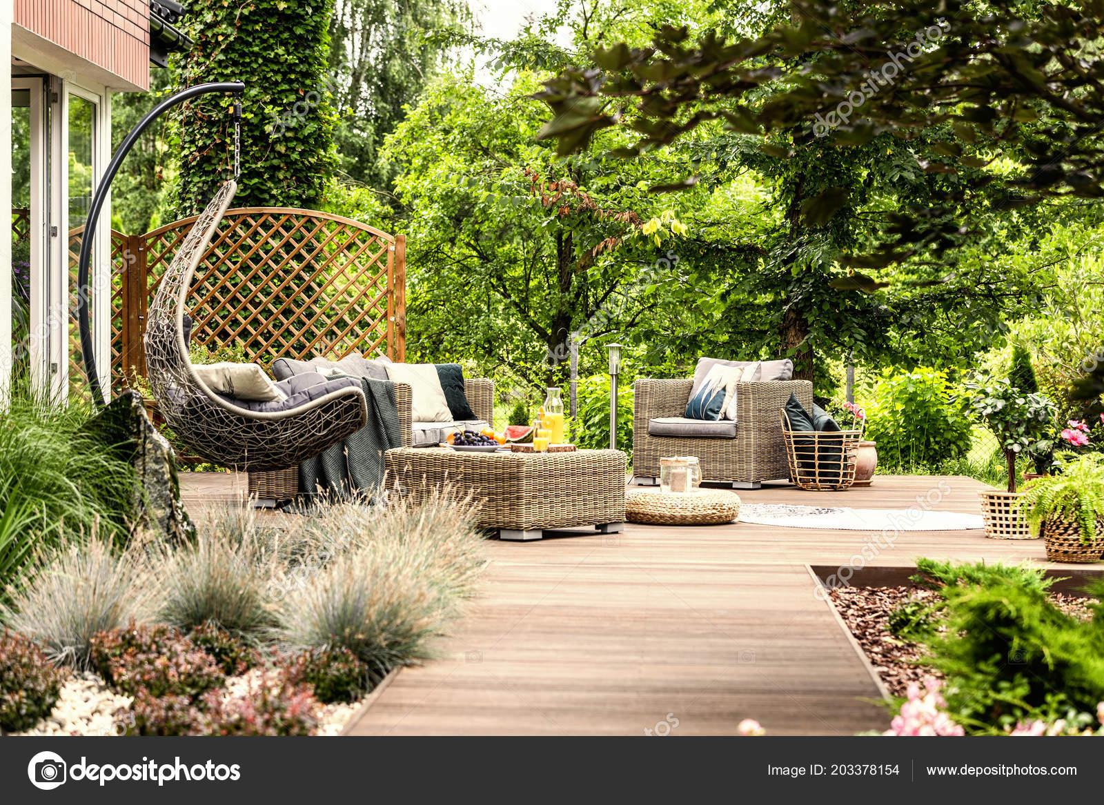 Single Swing Garden Furniture Set Wooden Terrace Green