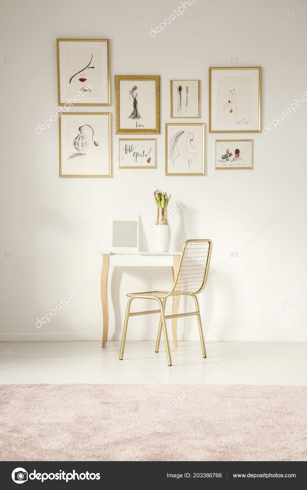 huge selection of a121b 96d40 Elegant dressing table mirror | Golden Chair Elegant Vanity ...